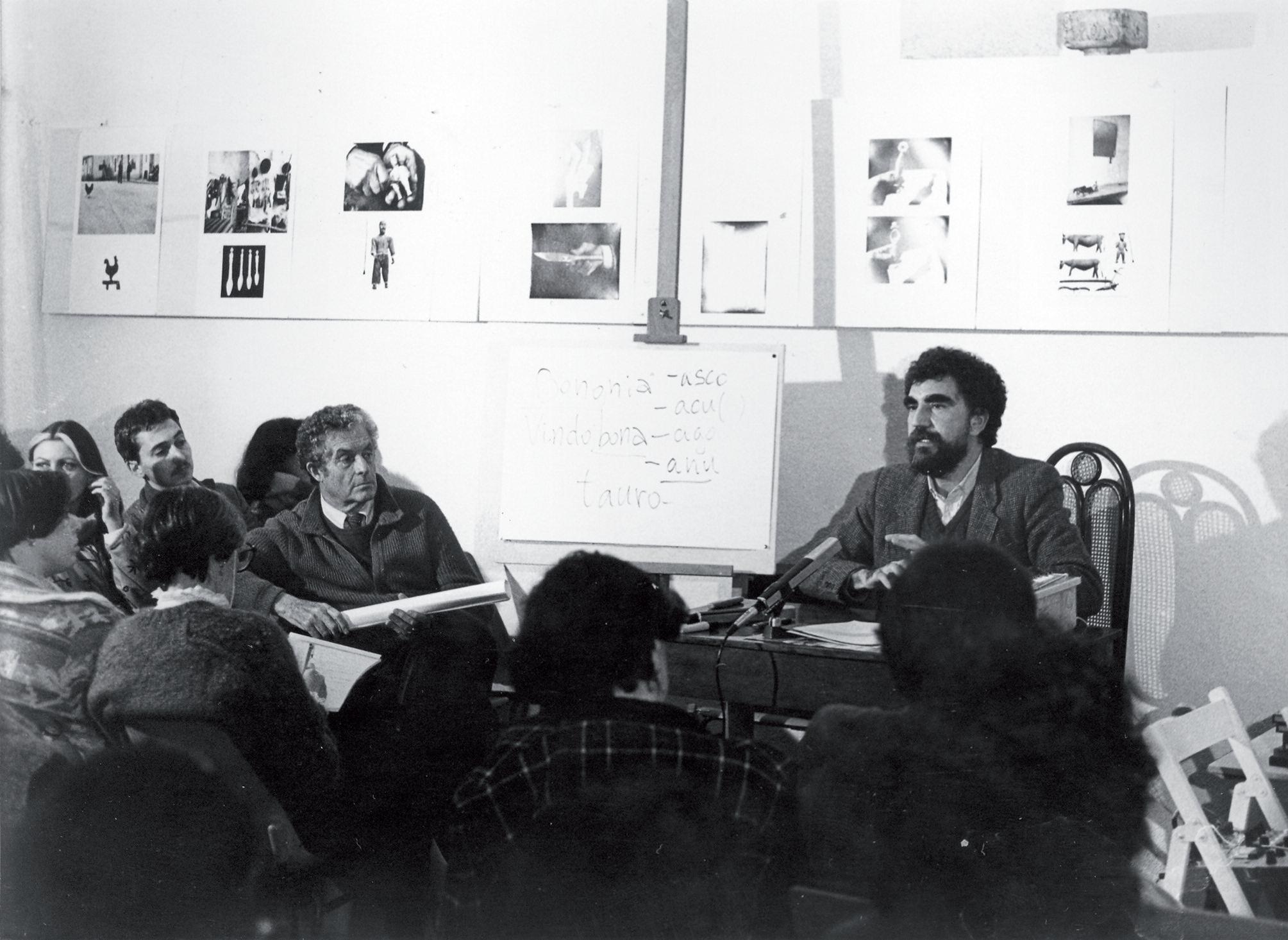 Giorgio Raimondo Cardona durante la sua conferenza