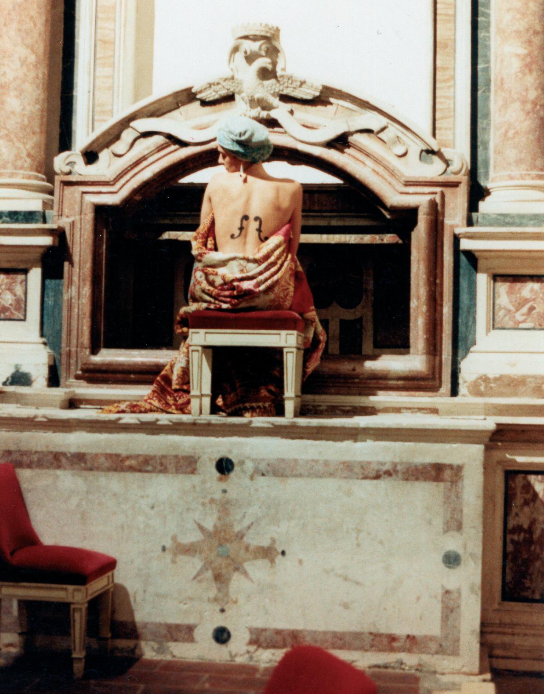 Installazione sull'altare laterale della chiesa di S. Filippo