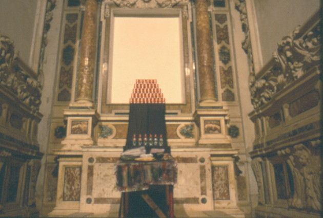 installazione sull'altare laterale della chiesa