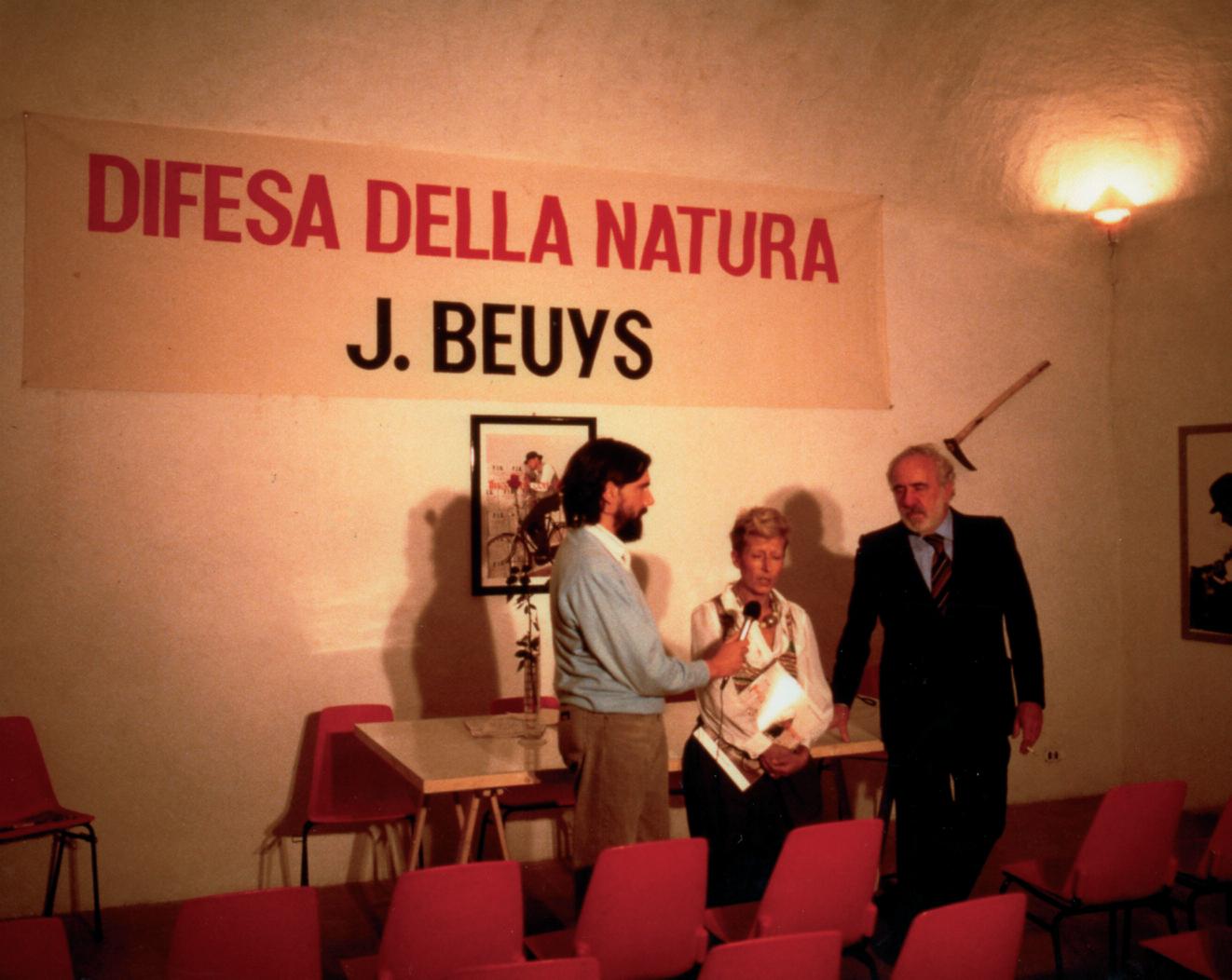 """Presentazione del libro """"Incontro con Beuys"""" di Lucrezia De Domizio, Buby Durini, Italo Tomassoni"""