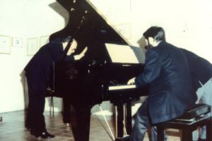 Al pianoforte Mauro Castellano