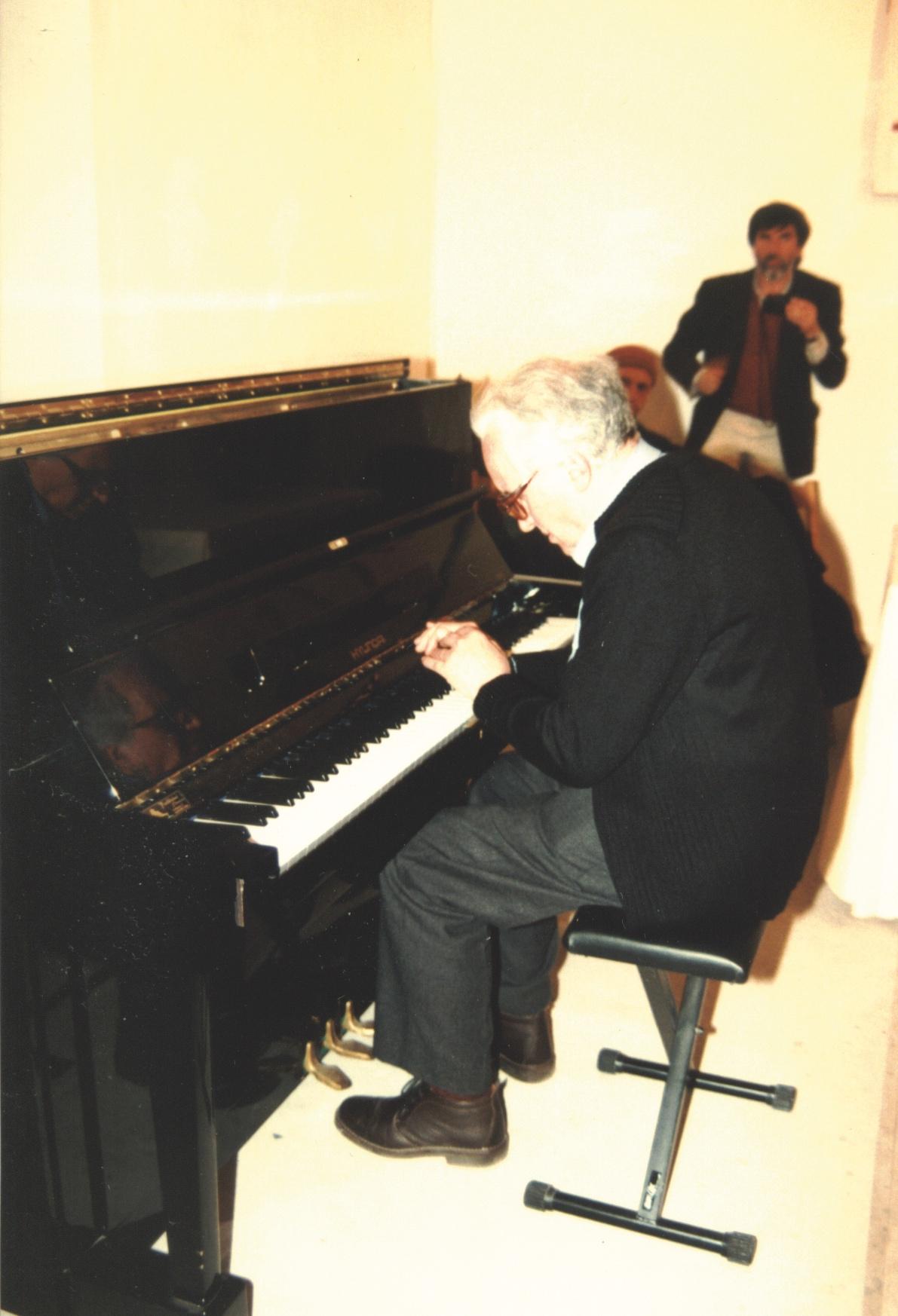 Giuseppe Chiari, gesti al pianoforte