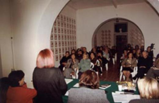 L'organizzatrice del festival, Prof.ssa Annamaria Giancarli, presenta l'evento