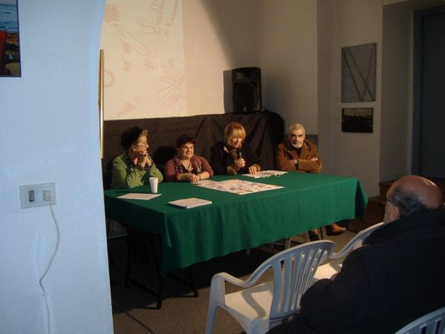 Il presidente della Provincia Stefania Pezzopane, Liliana Biondi e il poeta Elio Peretti