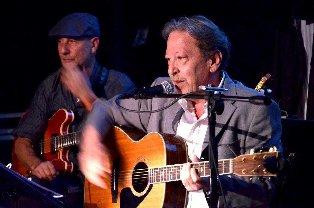 Giampiero Mazzone durante il concerto