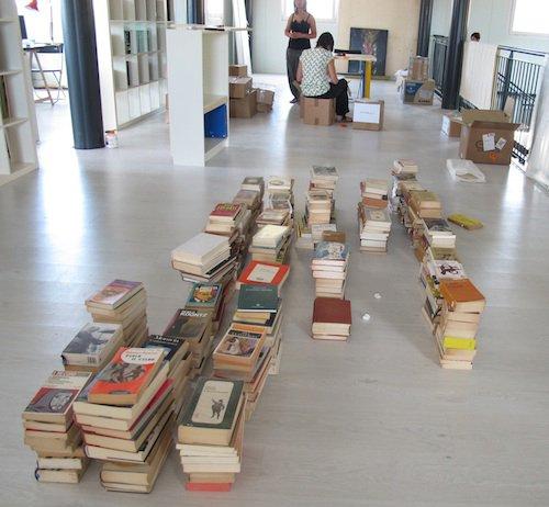 archiviazione libri in biblioteca_n