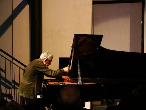 Mario Bertoncini al pianoforte