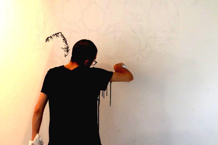 L'artista Navid Azimi Sajadi