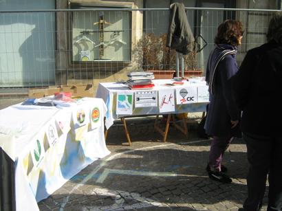 foto L'Aquila manifestazione a Piazza Palazzo 12 marzo 2010 035