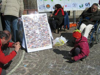 foto L'Aquila manifestazione a Piazza Palazzo 12 marzo 2010 044