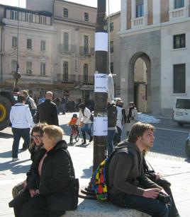 foto L'Aquila manifestazione a Piazza Palazzo 12 marzo 2010 063