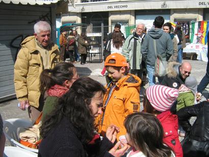 foto L'Aquila manifestazione a Piazza Palazzo 12 marzo 2010 072