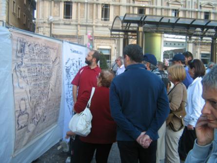 foto mostra in Piazza Duomo 31 luglio 2010 025